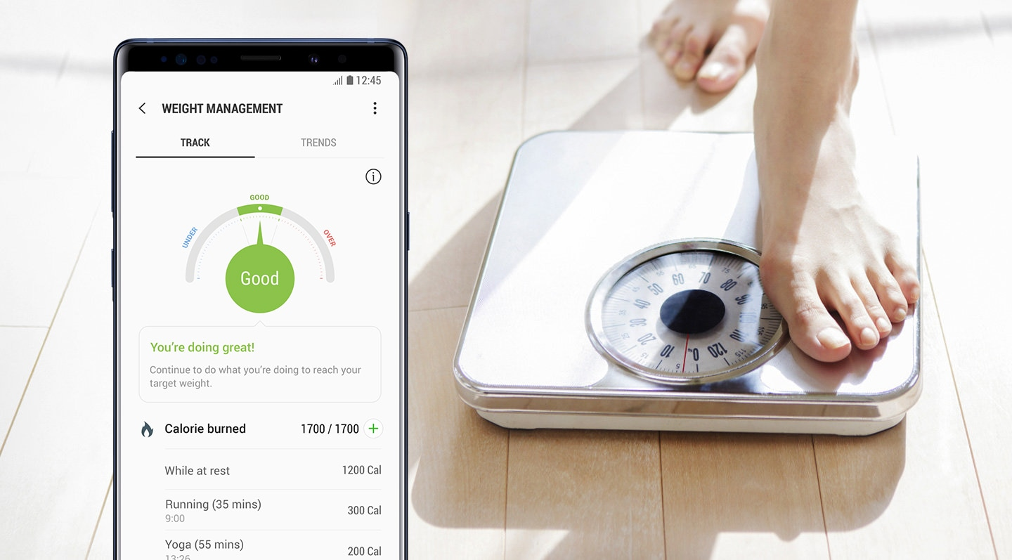 An image of someone weighing themselves and an image showing my weight management information in the Samsung Health app on the Galaxy Note9 Ocean Blue.